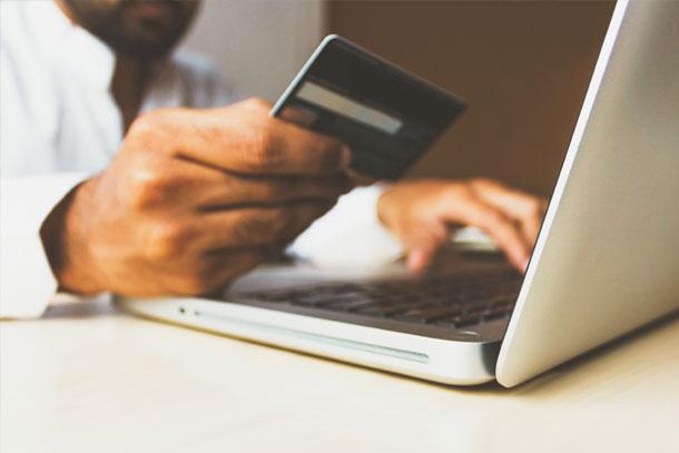 Further-Debit-Card-HSA-Spending-Body-1